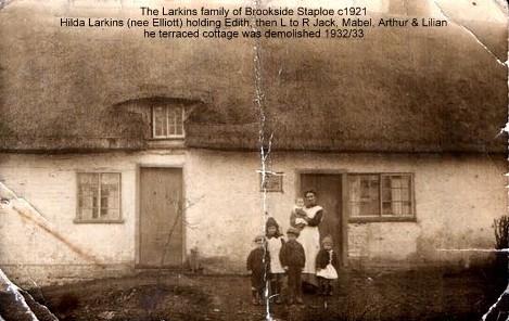 The Larkins cottage at Brookside, Staploe, around 1921, cottage demolished 1932/33 (N. Cutts)