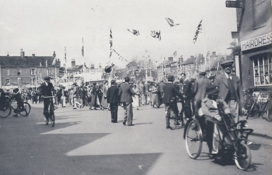 King George V Silver Jubilee Celebrations, in 1935, St. Neots Market Square looking towards the Old Falcon Inn in 1935
