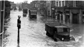 Flooding in St Neots High Street in 1947 (P & W Linford)