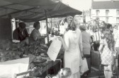 St. Neots Market, Falcon Inn in background, in the early 1970s