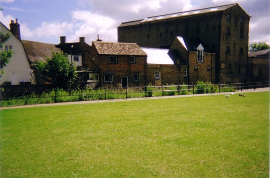 Brook Street, St Neots - view of the back of the 19th century buildings in July 2007