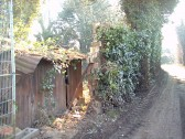 'Rat-Trap' wall construction of Eynesbury bricks behind St Mary's Street, Eynesbury, on access path to Bowling Green, in 2003 (P Ibbett)