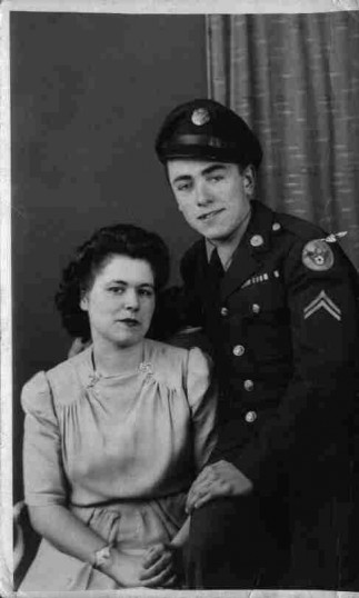 Eileen with Ken a corporal in uniform of US 8th Air Force, in December 1943. Surnames not known