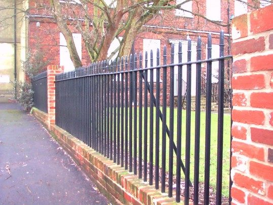 St Neots Brookside. Brook House in January 2007, railings after repair due to car accident. (P Ibbett)