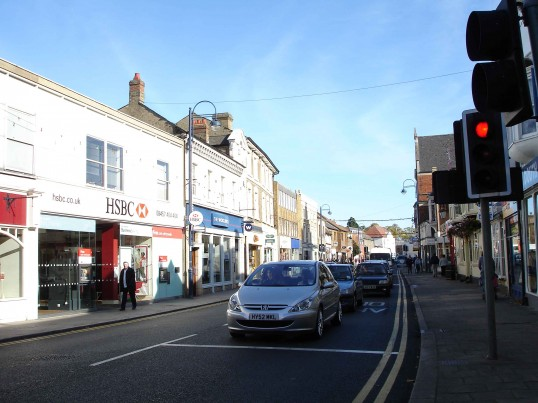 High Street, St. Neots, looking East from Barretts crossroads in October 2006, with HSBC and Woolwich in the foreground (Shirley Kevern)