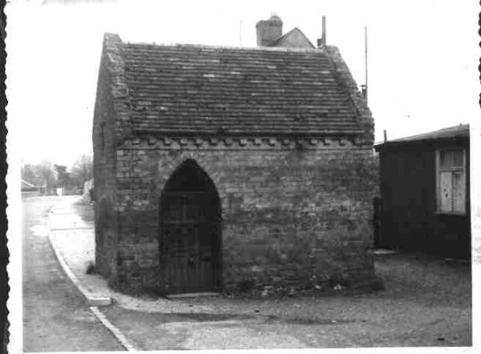 Lock up, School Lane, Eaton Socon, in the 1920s.  Used for offenders in the 19th century until taken to Police Station in Bedford.