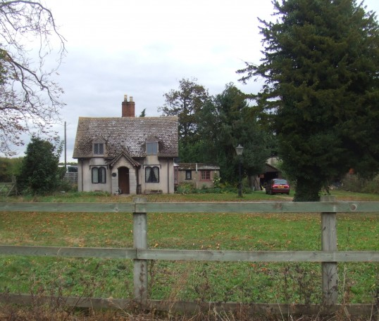 Former Lodge House in Little Paxton, 10th October 2013