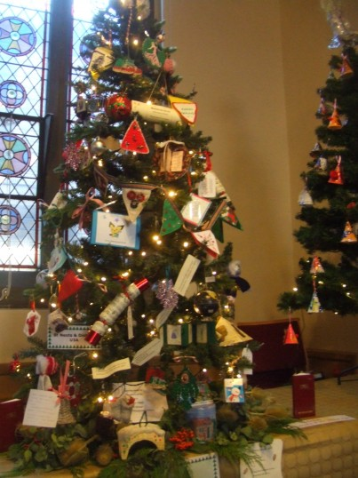 Christmas Tree by the St Neots U3A group - at the Festival held at the United Reformed Church - 7th December 2013