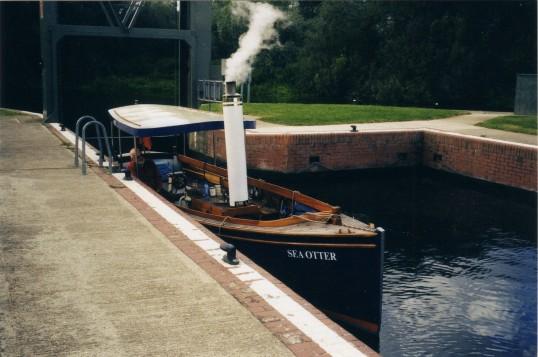 steam boat ar ES lock 27th Oct 2012 pic 2