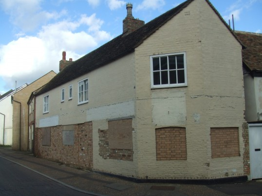 South Street, former Fireplace Centre, bricked up - Jnauary 2014
