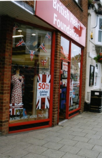 Queens Jubilee Decorations June 2012 – British Heart Foundation shop in the High Street (Ann Richards)