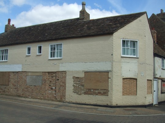 South Street - the former St Neots Fireplace Centre is now boarded up - August 29th 2013