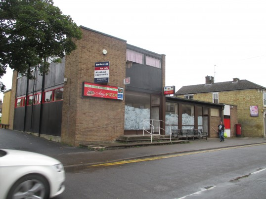 Amy's Pizza in Huntingdon Street - now closed and empty - 25th August 2015