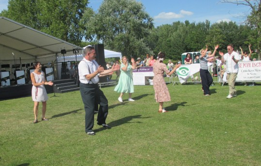 Armed Forces day dancers 2015