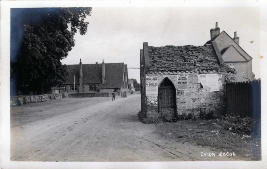 School Lane in Eaton Socon showing the Lock Up, the school and the new Hillings house in 1908