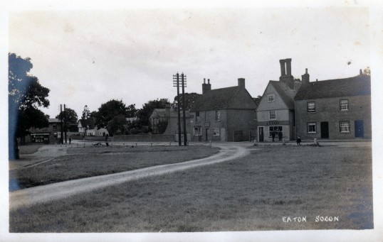 Great North Road and the village green in Eaton Socon pre 1922