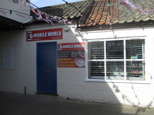 Mobile World shop in Cross Keys Mews - 1st May 2016