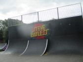 New murals at the skateboard park in the Riverside Park - 4th Sep 2016
