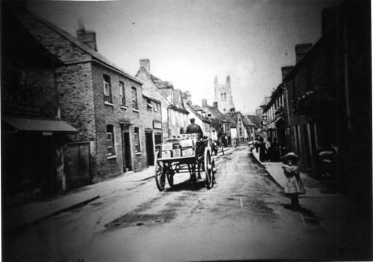 St Marys Street, Eynesbury - looking towards St Neots Church - around 1900 possibly