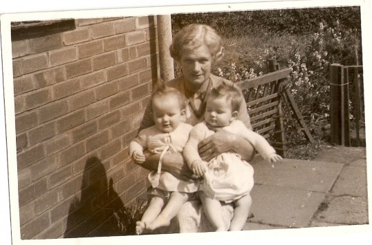 Murial Shaw, with twin daughters Jane and Judith