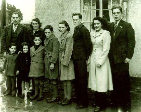 Luckett family ready to emigrate to Australia.