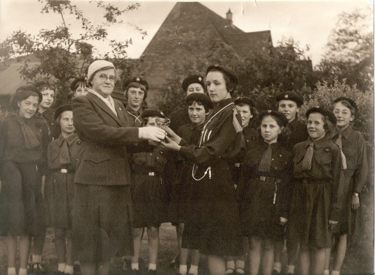 Wilburton Girl Guides at a presentation