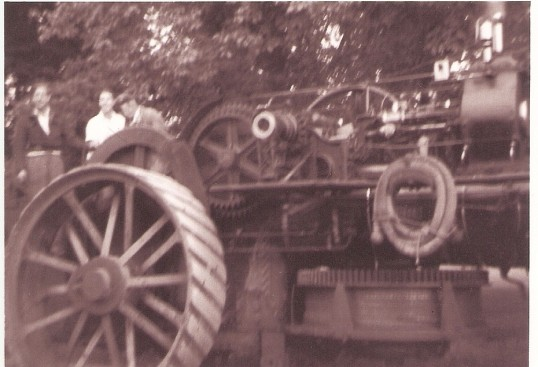 Traction Engine driving through Wilburton