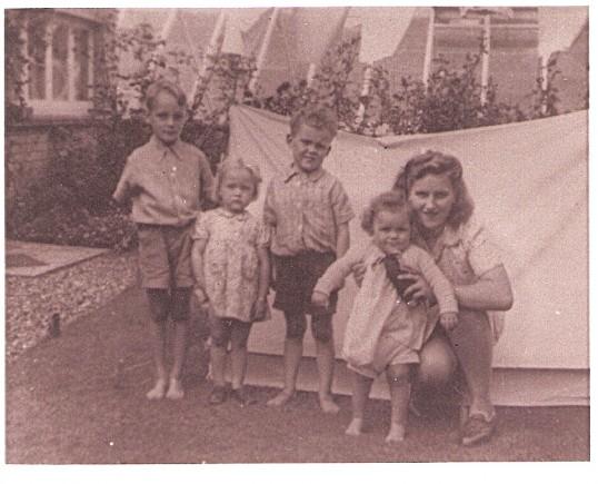 David & Diana Yarrow & Roger & Anne Morris