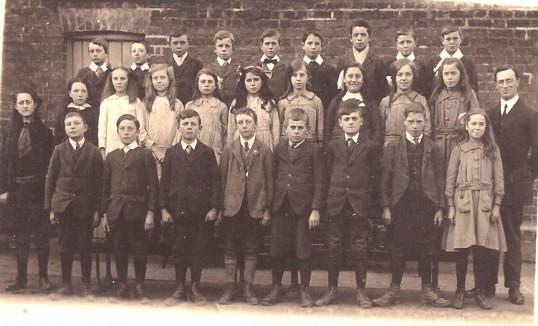 Wilburton school children in the 1900s