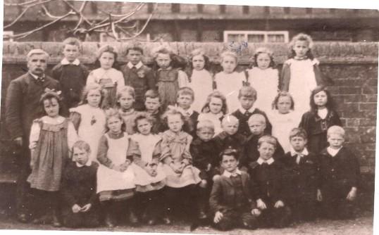 Another class of Wilburton school children