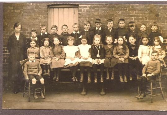 Another class of Wilburton children
