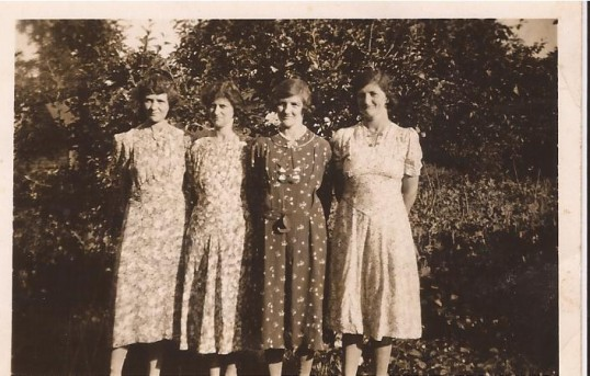Four Denny girls left to right Annie. Edie, Mabel, and Bettie  all lived in Wilburton