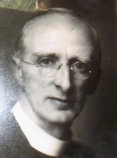 Rev. Harold Boswell became vicar of Wilburton in 1946 untill  1958 when he retired.