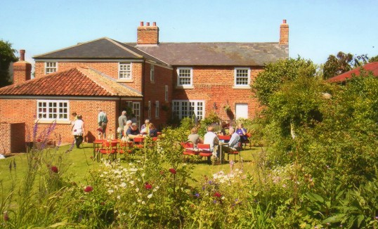 Wilburton open gardens Sunday fund given to youthclub