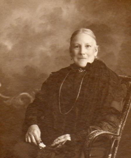 Elizabeth Talbot, Harold's grandmother.