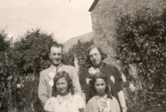 Ida and Billy Gothard with two of their evacuees