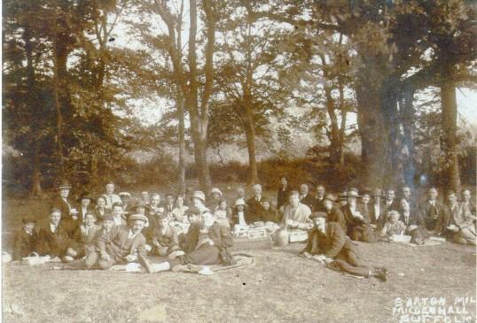 Picnic at Barton Mills, Wilburton people