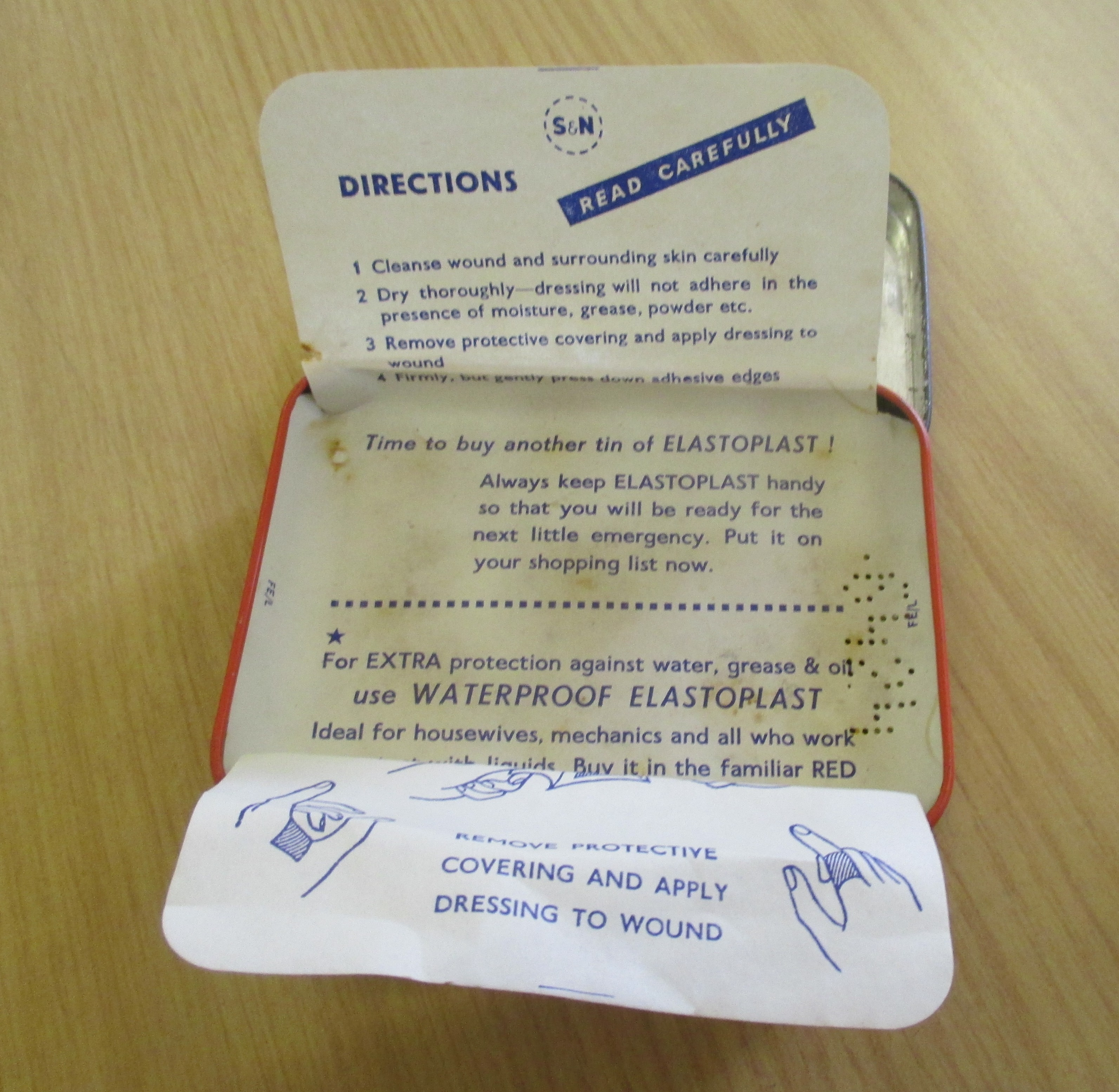 An Elastoplast tin which once held plasters   Miscellaneous