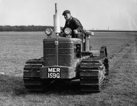 Front view of an International B T D 6 mole draining at Boxworth End