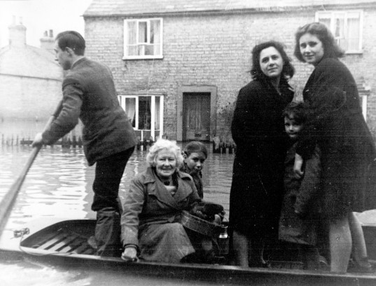 fenland floods in swavesey high street floods 1947 domestic